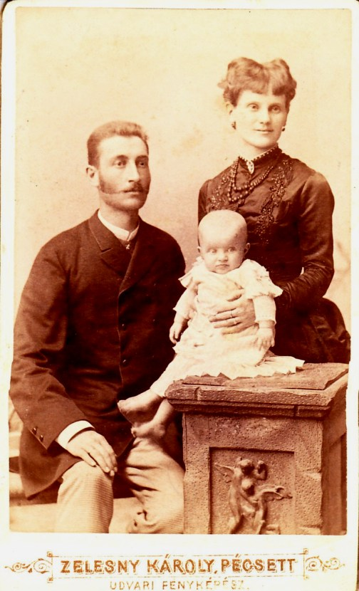 Kerbolt Ferenc és felesége Grof Ilonka gyermekükkel Ilonával.