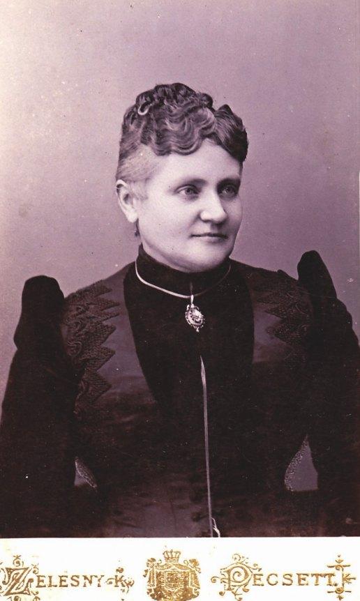 Káin Károlyné szül: Krupiczer Teréz