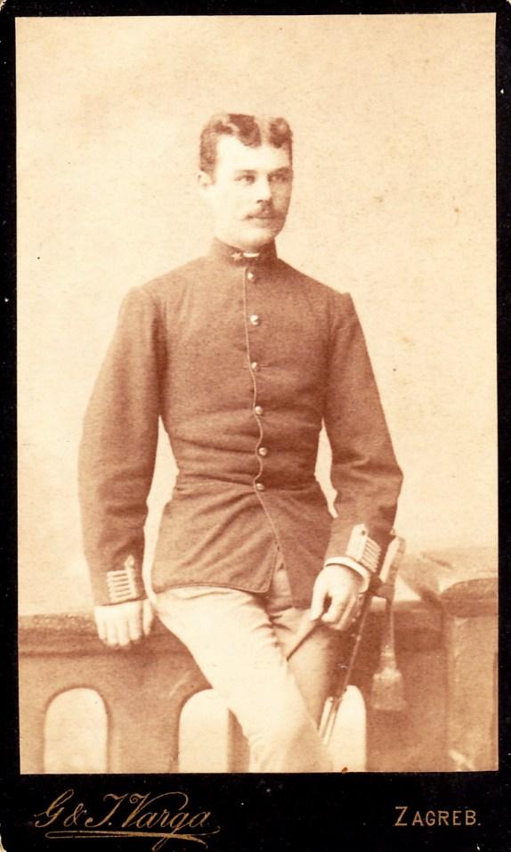Tomics Antal, Kerbolt Ferenc unokatestvére