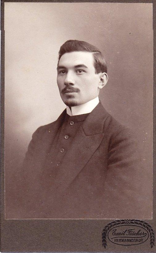 bisztrai Aaron Viktor