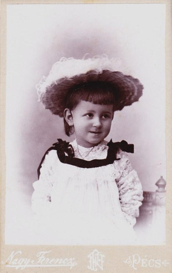 Kerbolt Valéria Klementina Malvina  szül: Pécs. 1890. 07.